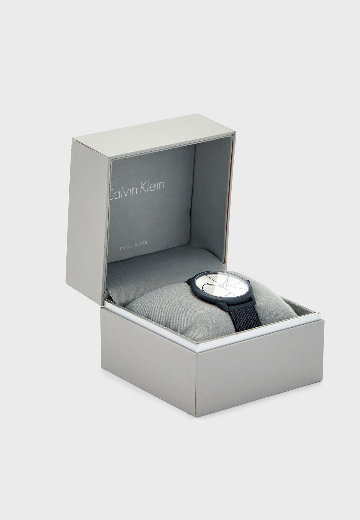 ساعة بحزام من الستيل