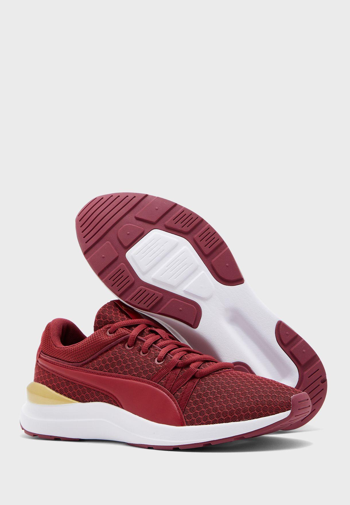 حذاء اديلا كور