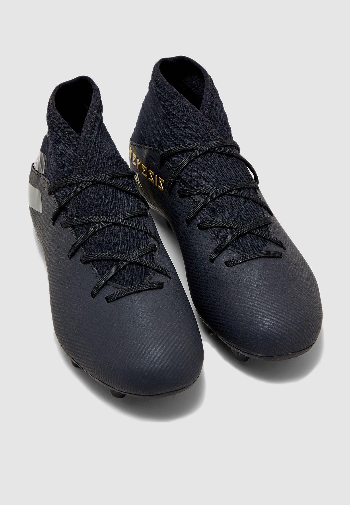 حذاء نيميزيز 19.3 للاسطح الصلبة