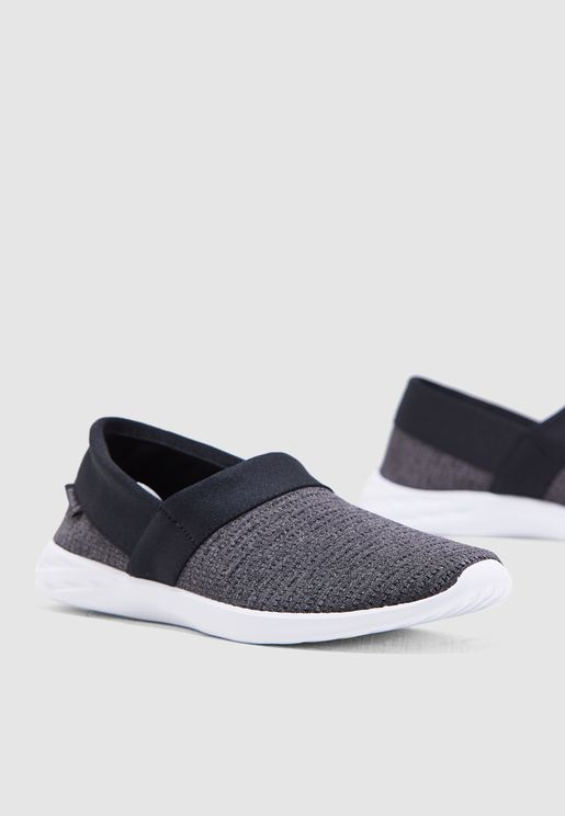 da2560e70 احذية فلات للنساء ماركة ريبوك 2019 - نمشي عمان