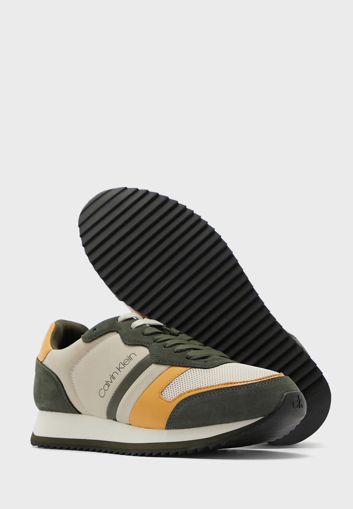 Casual Low Top Sneakers