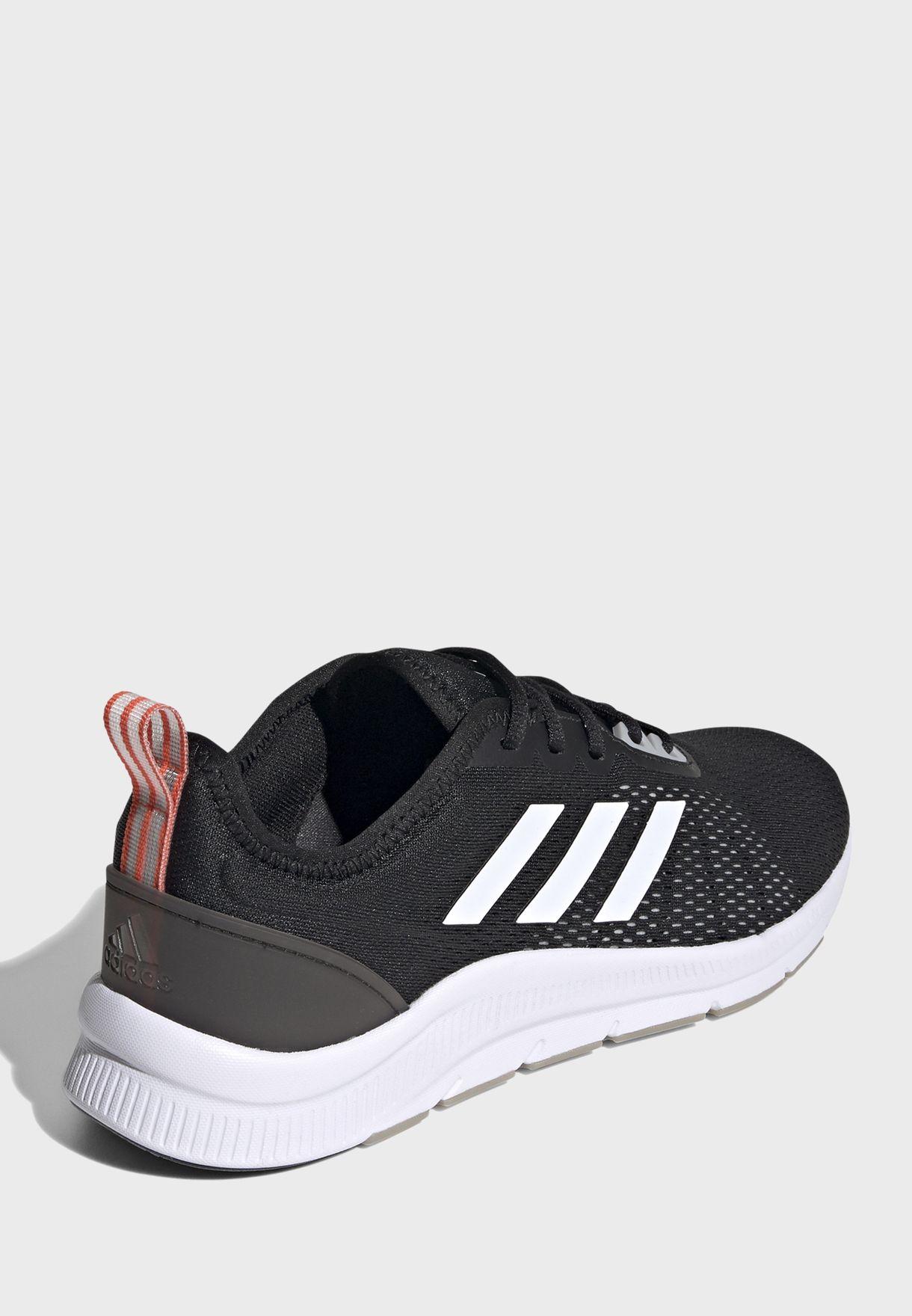 حذاء اسويتراين