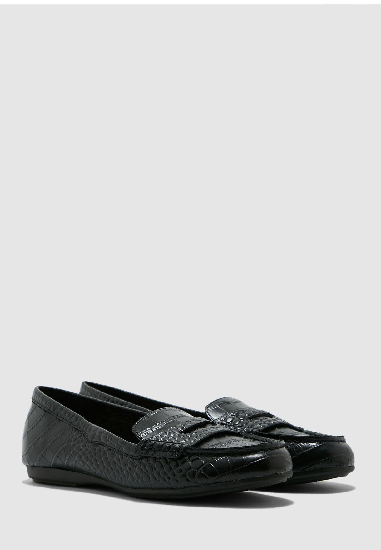 Gweaviel Slip On - Black