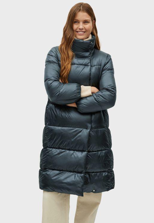 معطف بياقة مرتفعة