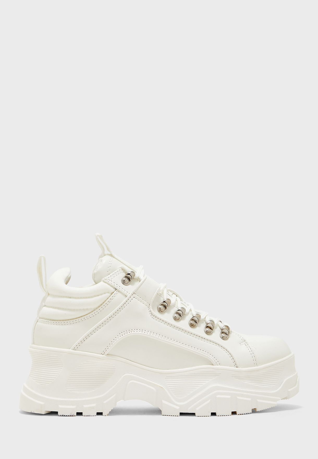 Fina Low-Top Sneaker
