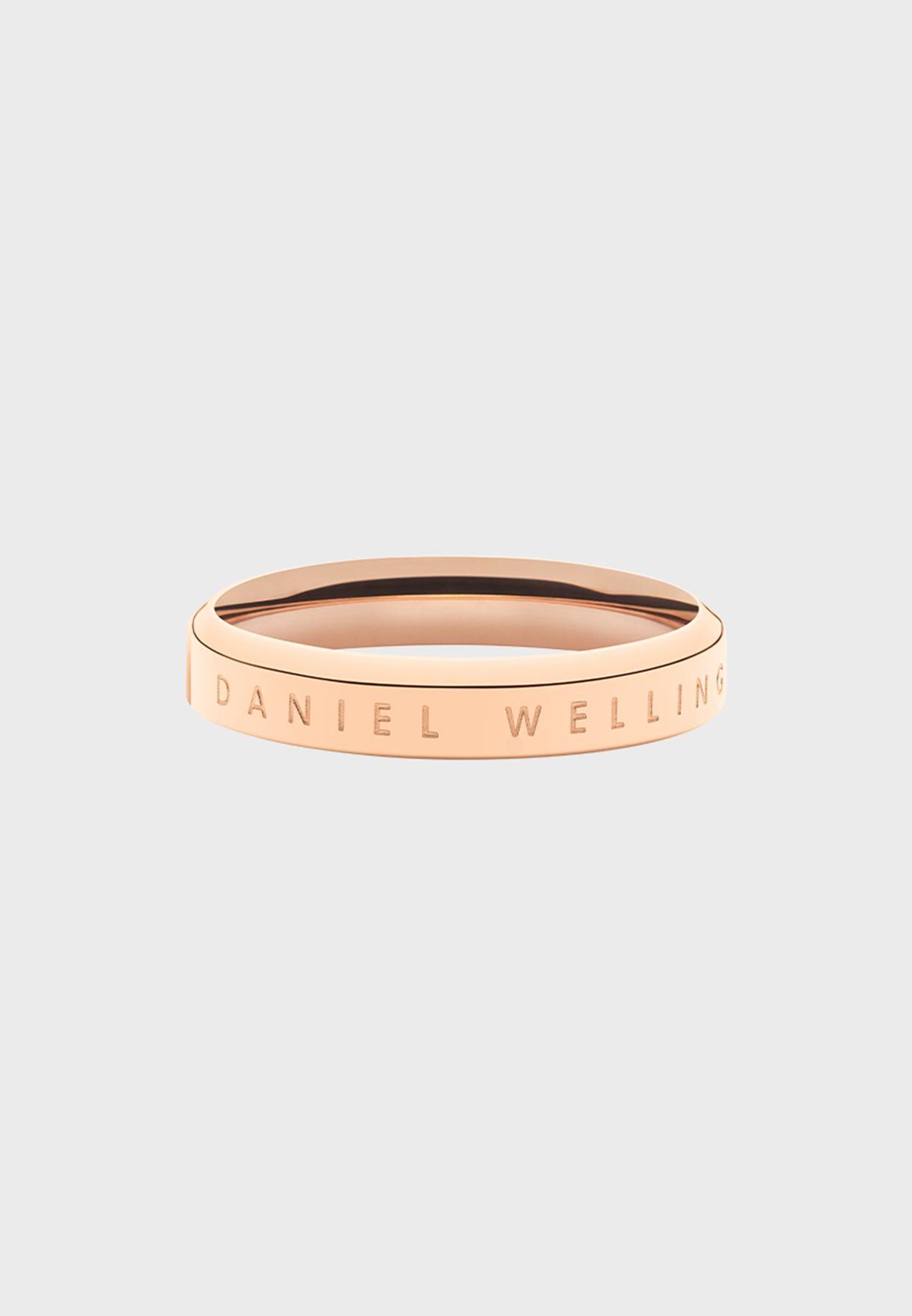 خاتم كلاسيكي بشعار الماركة