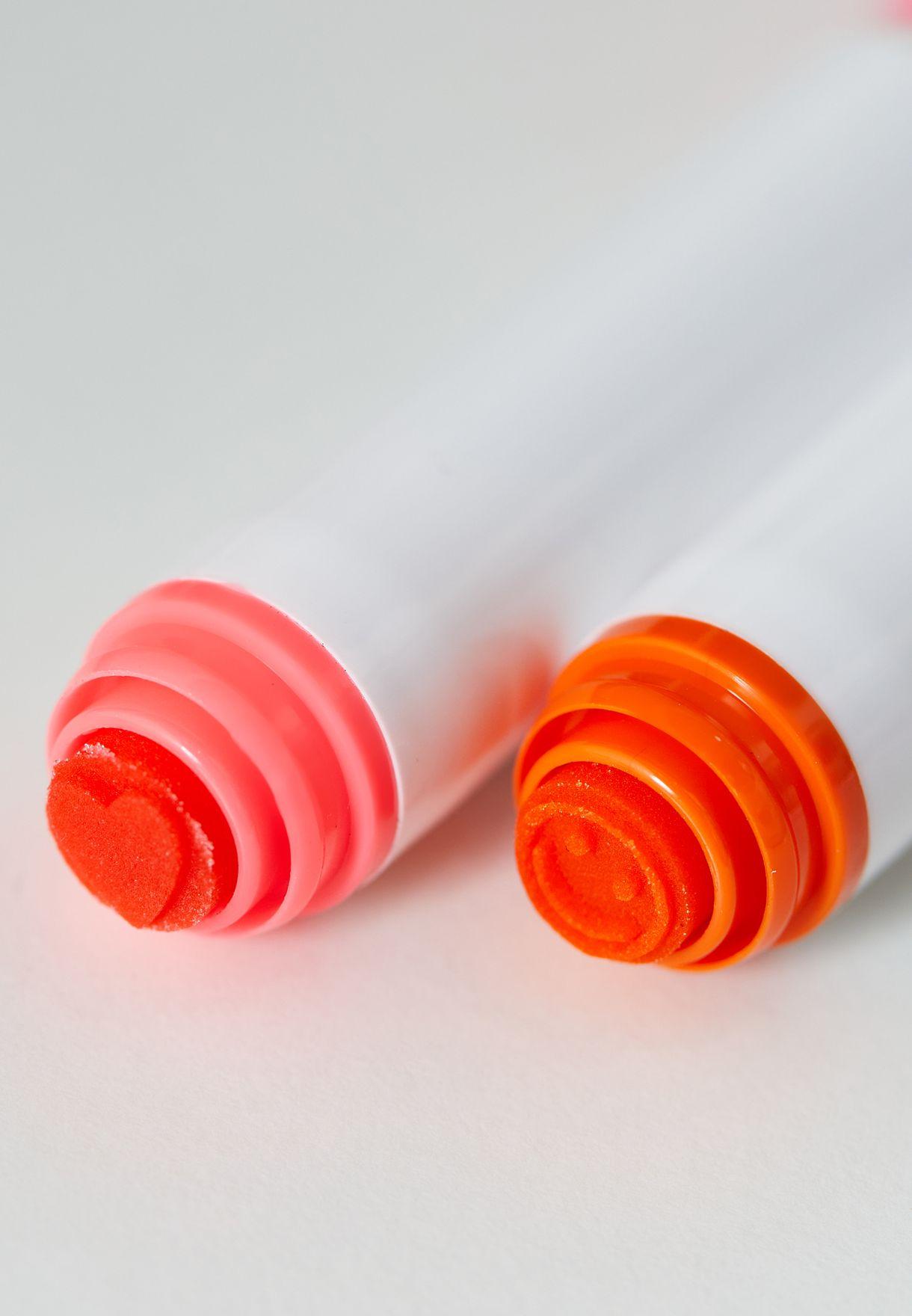 اقلام ملونة مع ختم عدد 5