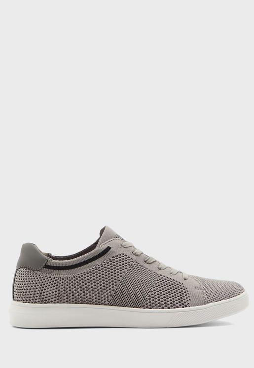 Wimble Sneakers