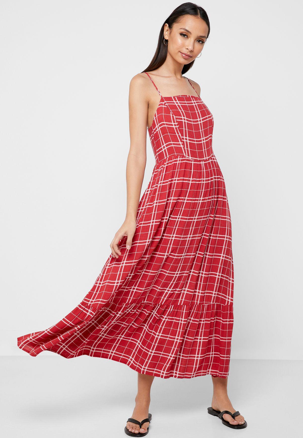فستان بتداخل مزموم