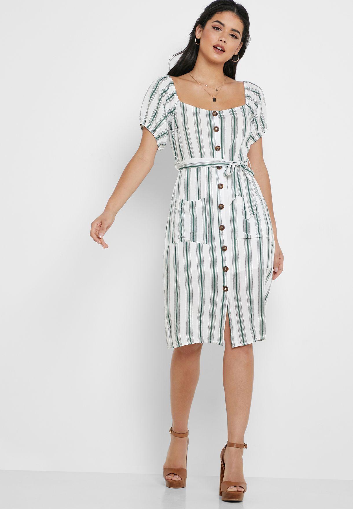 فستان مزين بطبعات