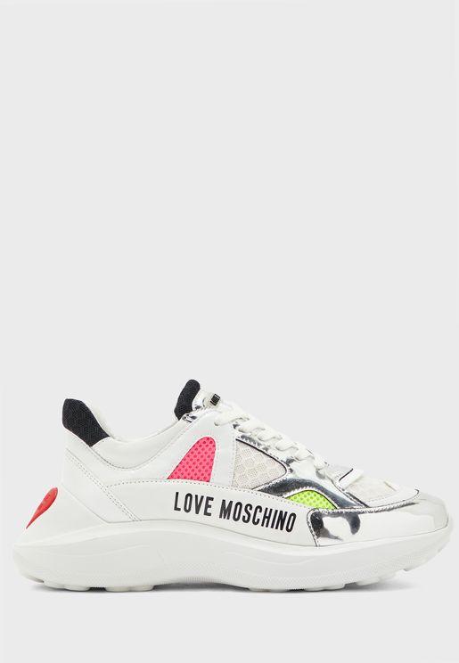 Wide Fit Low Top Sneaker