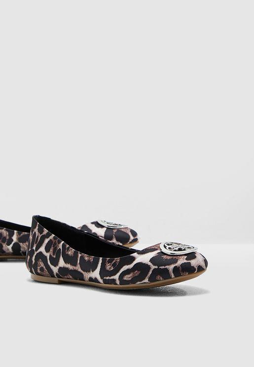 Guess Shoes for Women   Online Shopping at Namshi Saudi