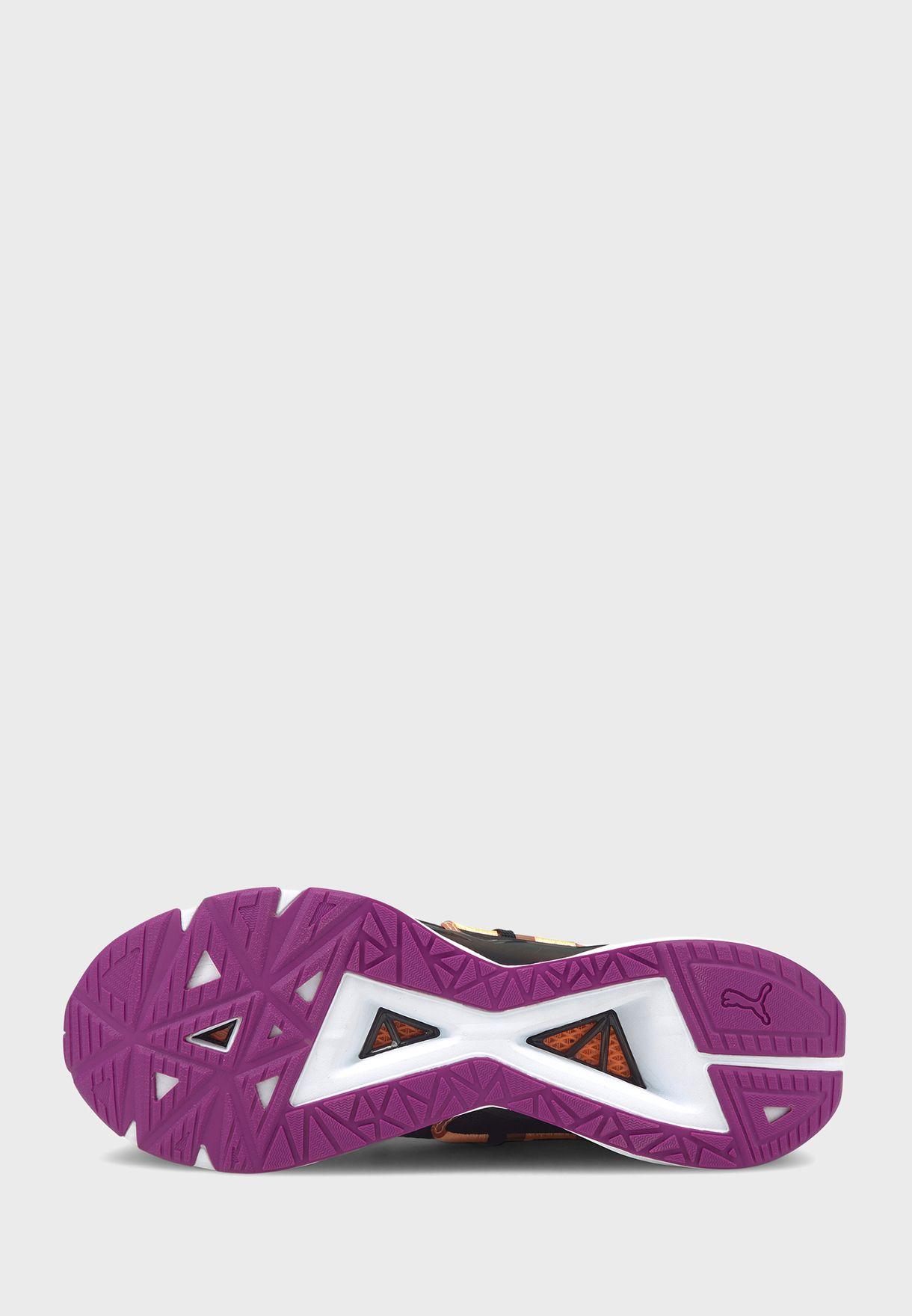 حذاء الترا تريلر