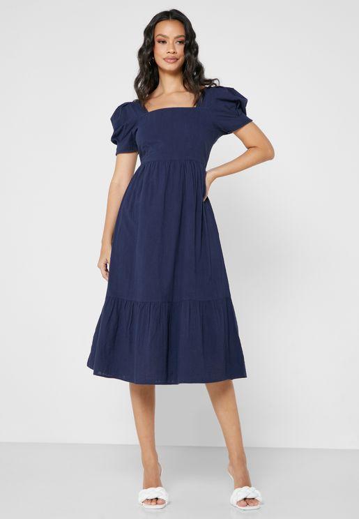 فستان طبقات باكمام منفوخة
