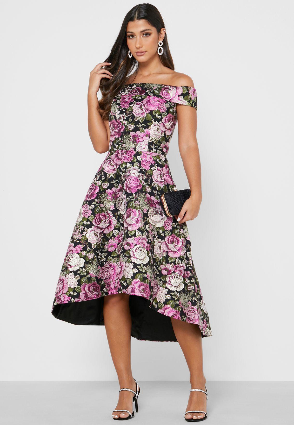 فستان بطبعات زهور