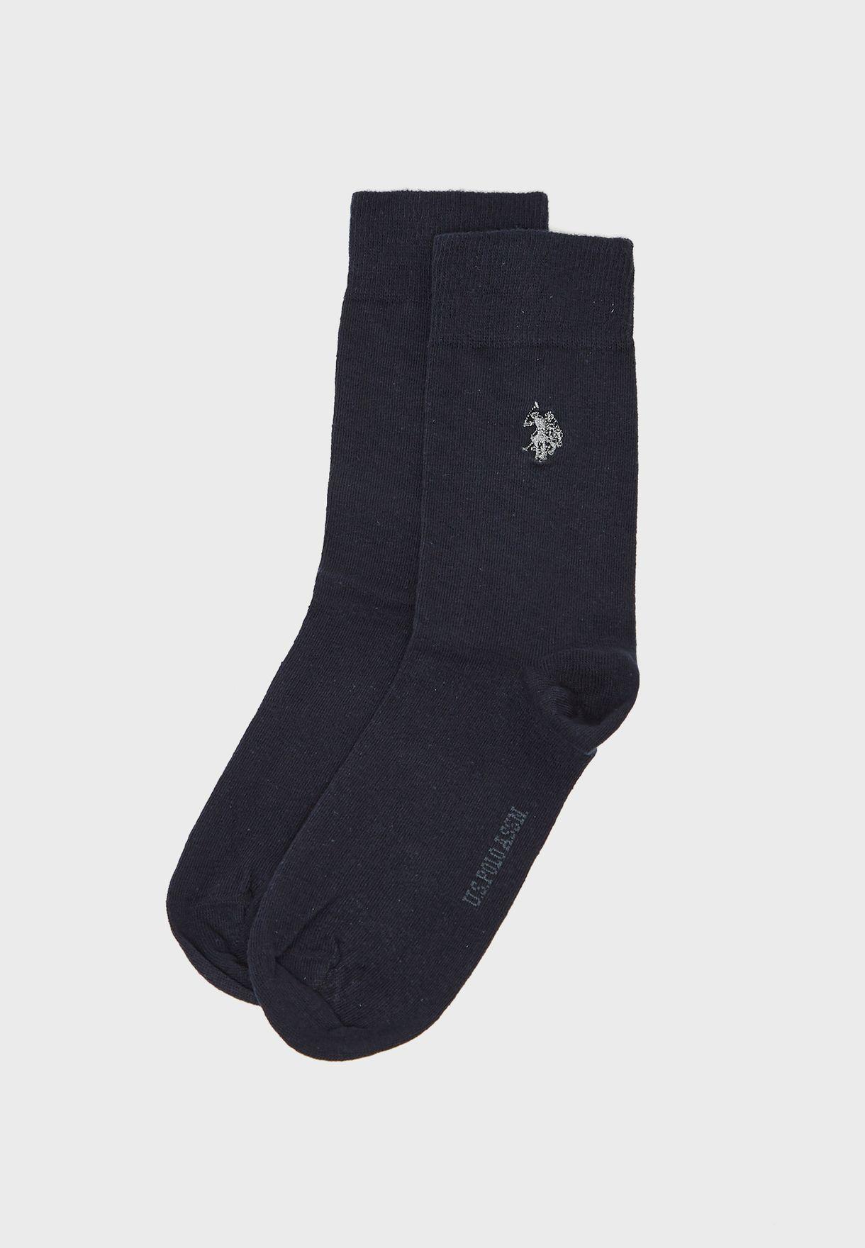 جوارب مزينة بشعار الماركة