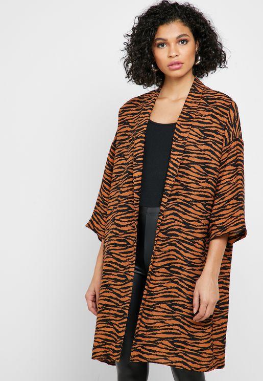 كيمونو بطبعات جلد نمر