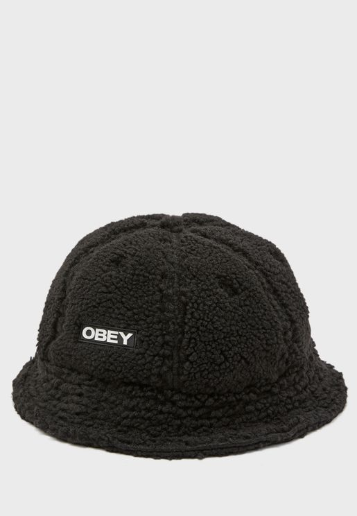 قبعة فرو صناعي