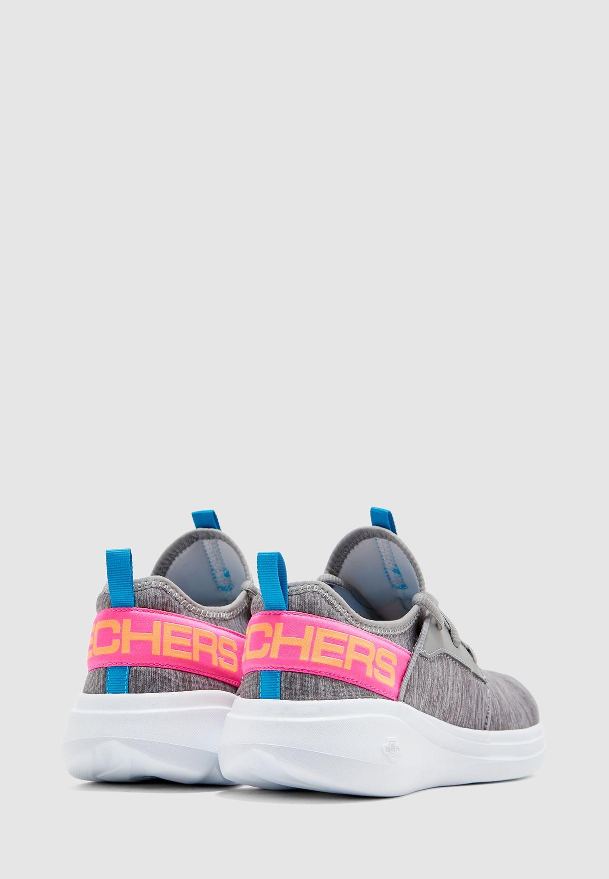 حذاء غو رن فاست