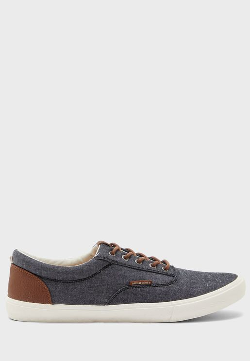 Vision Classic Sneakers