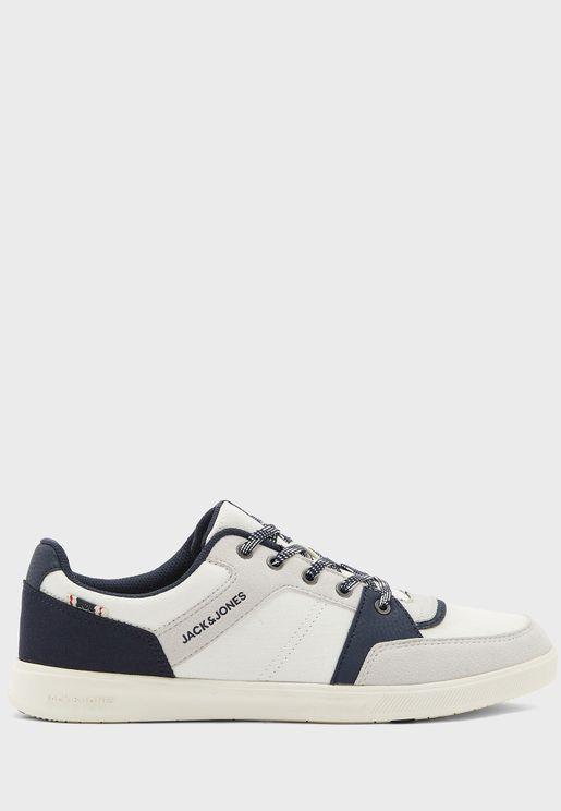 Newington Sneakers
