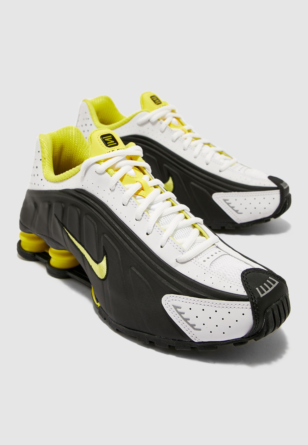 really comfortable brand new special section Shop Nike black Shox R4 104265-048 for Men in UAE - 72704SH69JDP