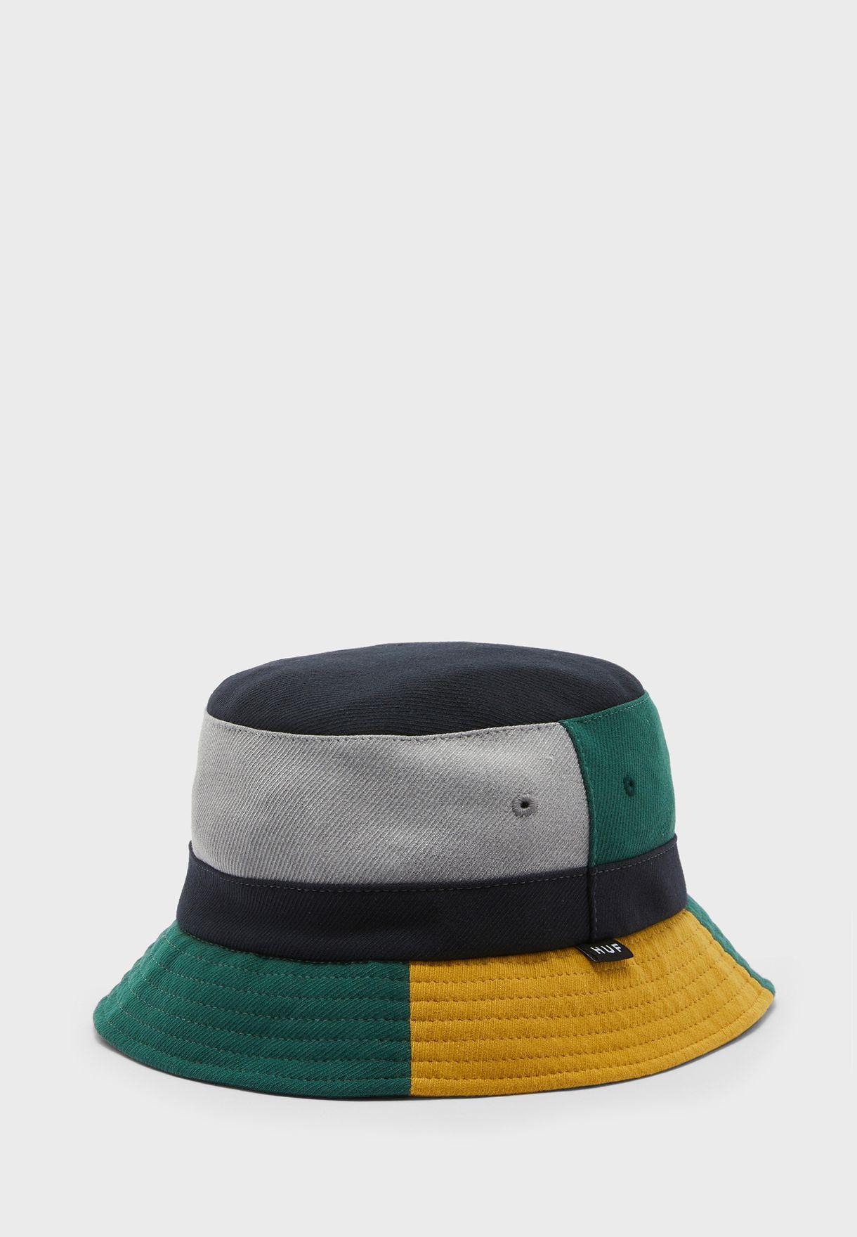 قبعة دلو بشعار الماركة