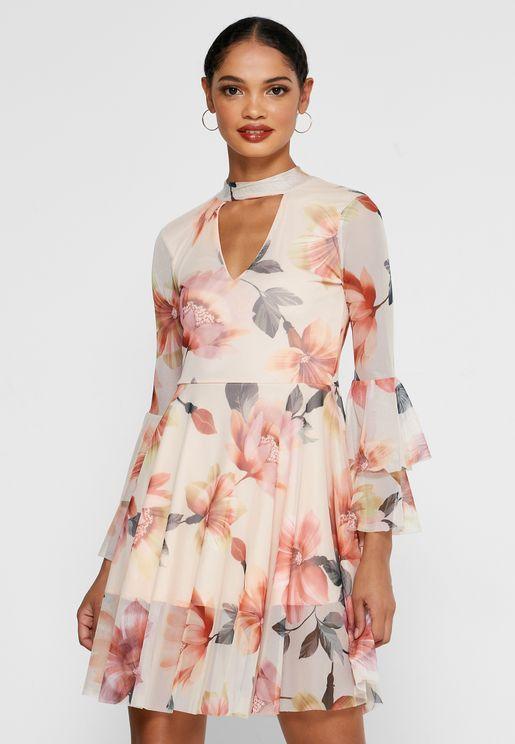 فستان مكشكش بطبعات ازهار