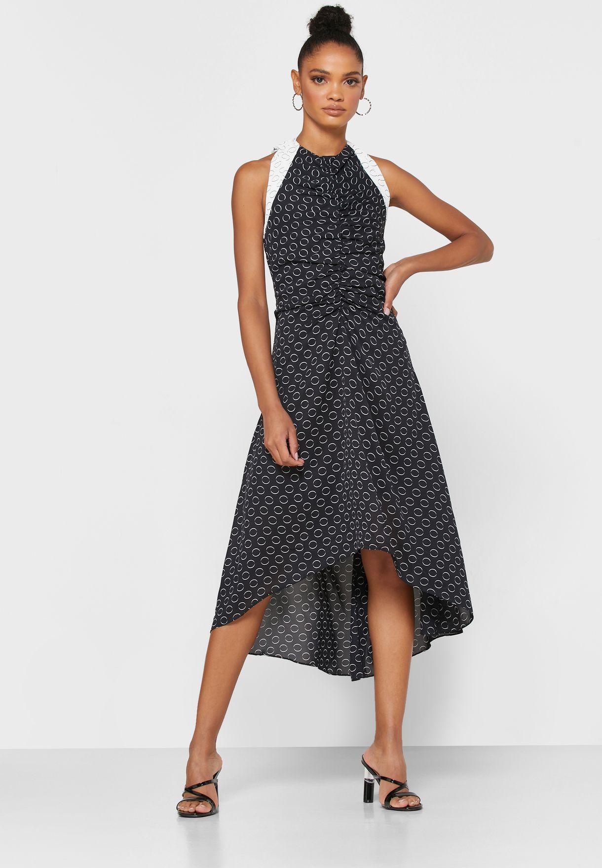فستان مطبع باربطة من الخلف