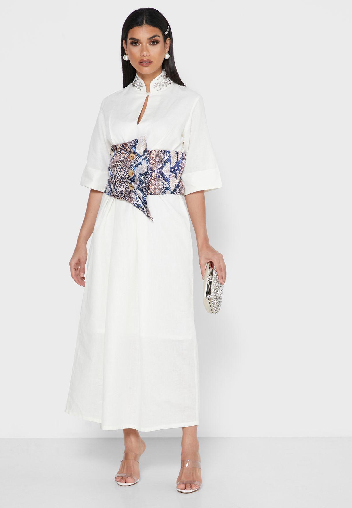 فستان بحزام مطبع