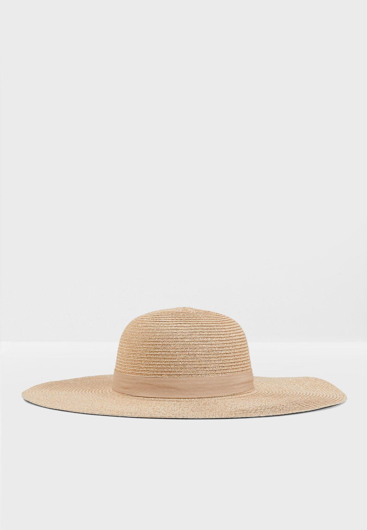 قبعة لامعة
