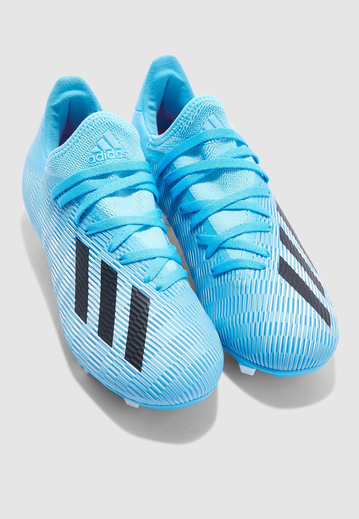 حذاء اكس 19.3 للاسطح الصلبة