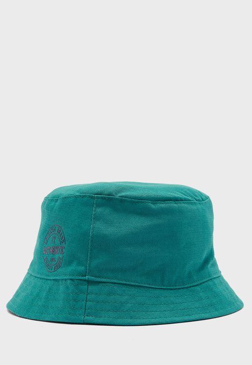 قبعة بطباعة كتابة