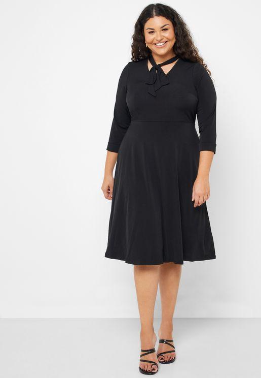 فستان بفيونكة امامية