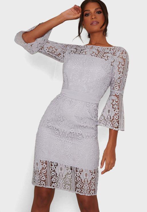 فستان كروشيه باكمام فلوت