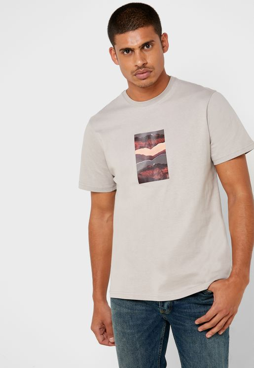 Mountain Graphic Pocket Detail Crew Neck T-Shirt