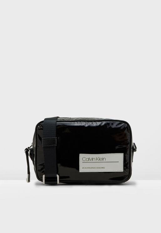 Bind Camera Crossbody