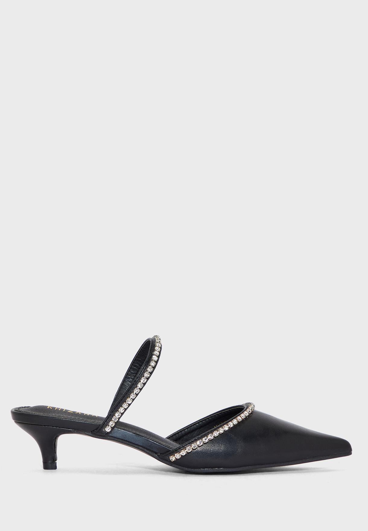 حذاء مرصع بكعب عالي واصابع مدببة