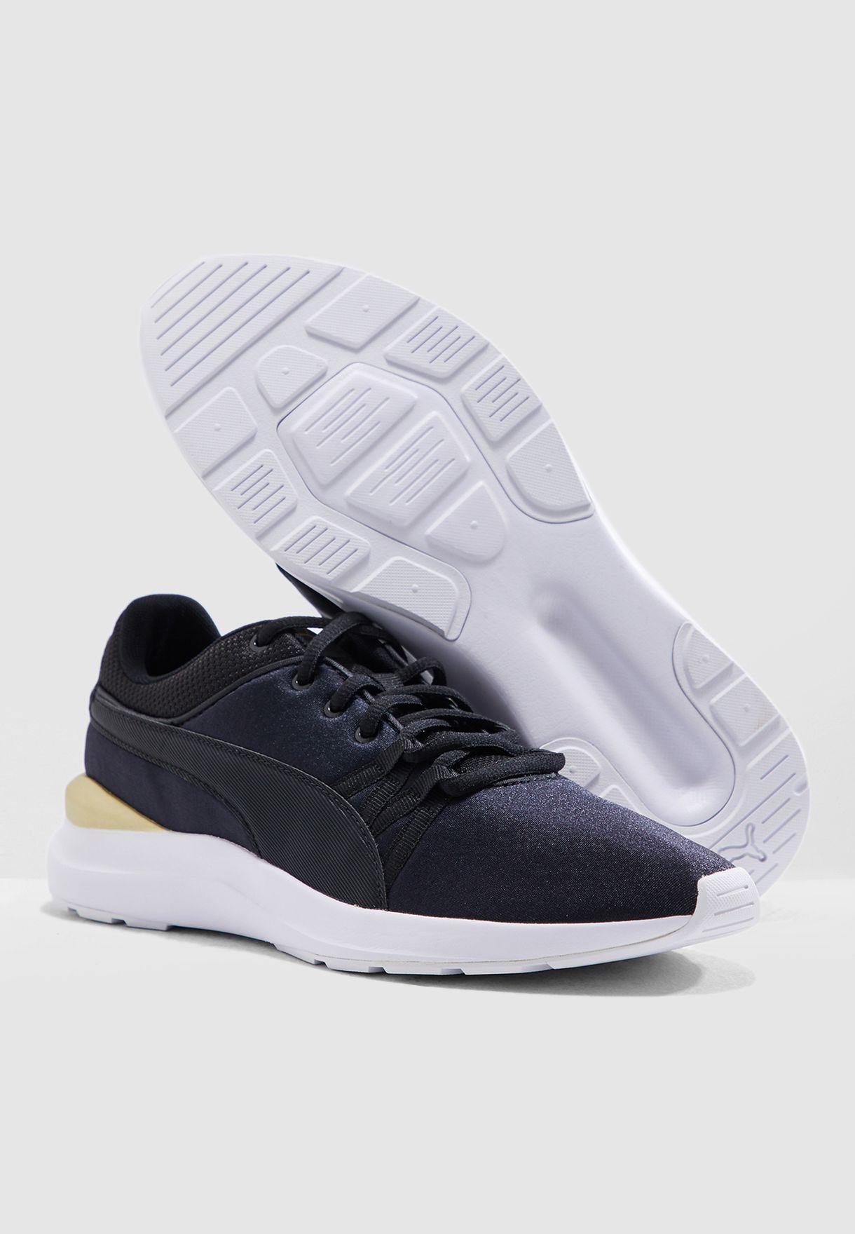 حذاء أديلا