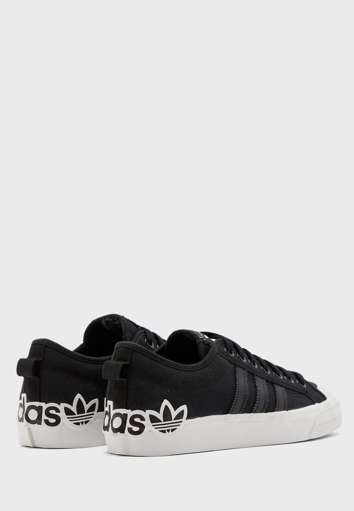 حذاء نيزا