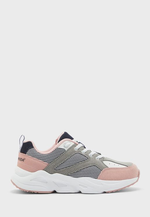 Atea Low Top Sneakers