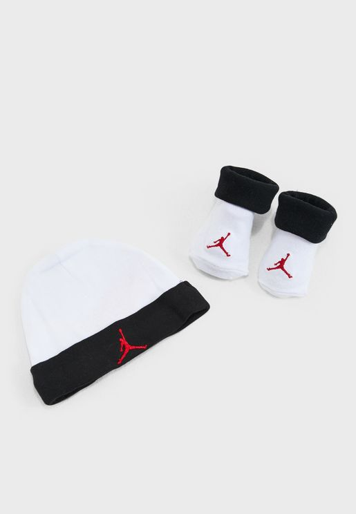 Jordan Beanie And Bootie Set