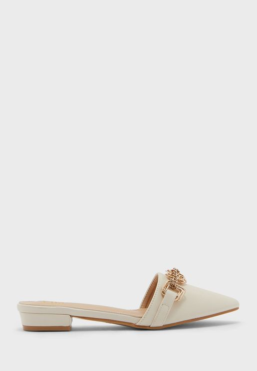 Intricate Chain Detail Pointed Backless Flat Shoe