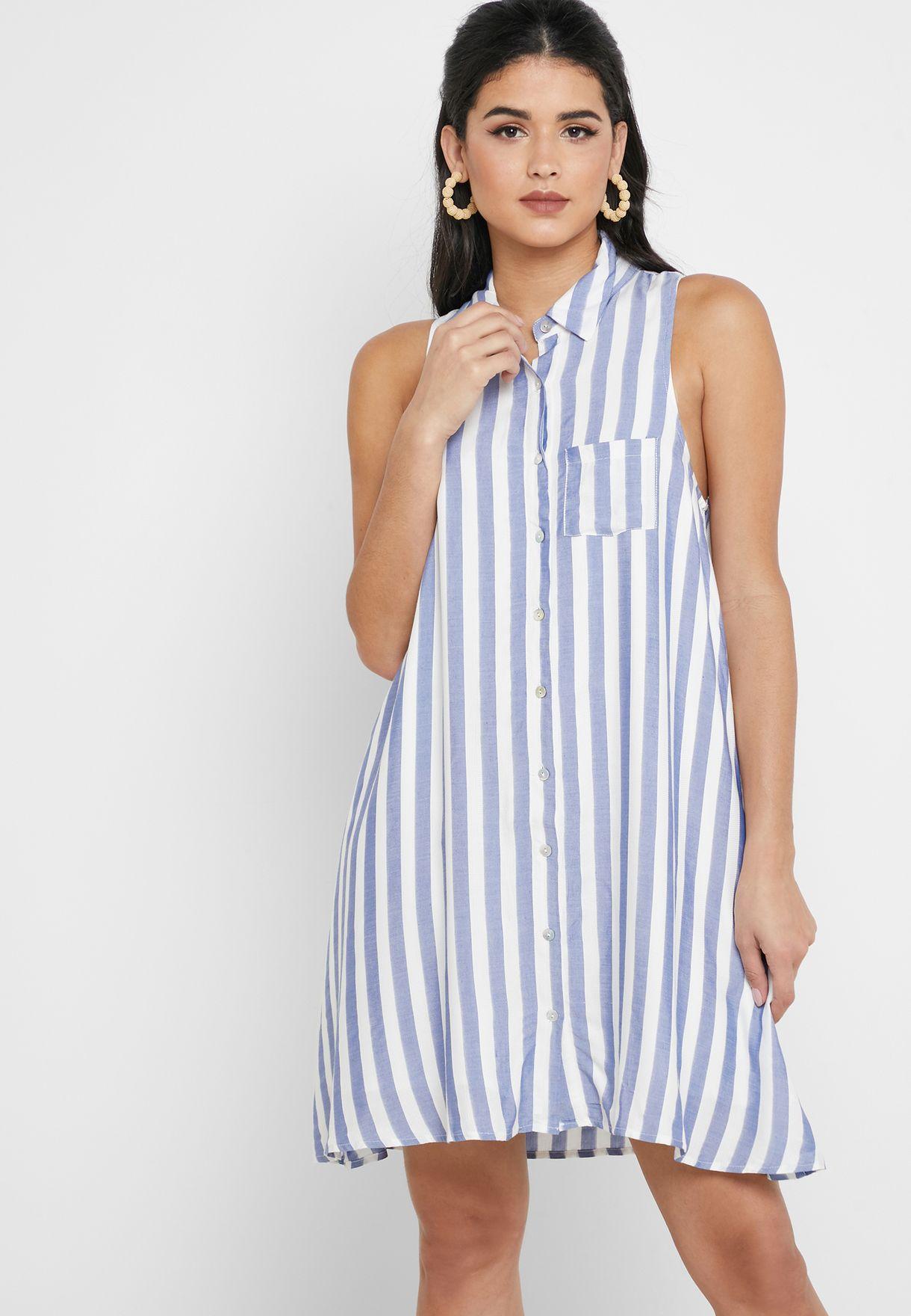 فستان مزين بخطوط