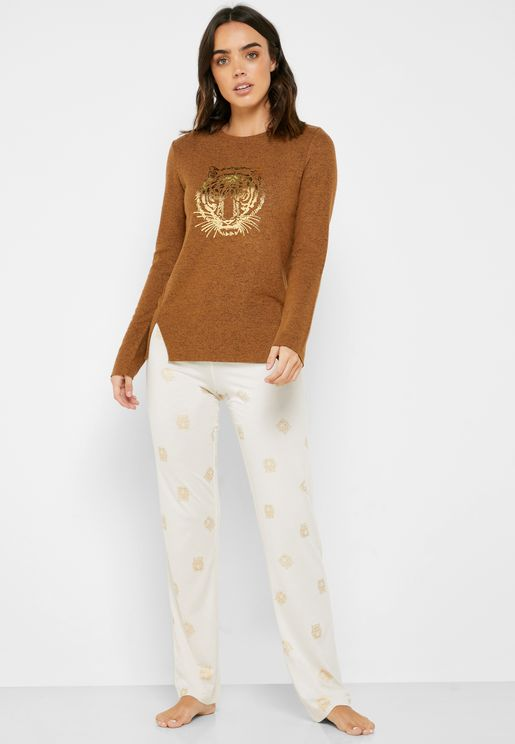 Graphic Side Slit T-Shirt & Printed Pyjama Set
