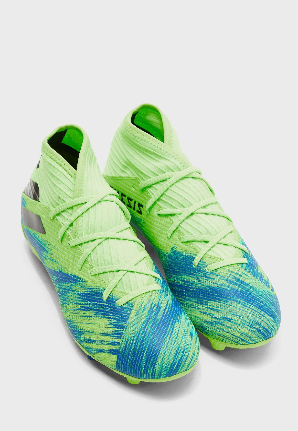 حذاء نيميزيز 19.3