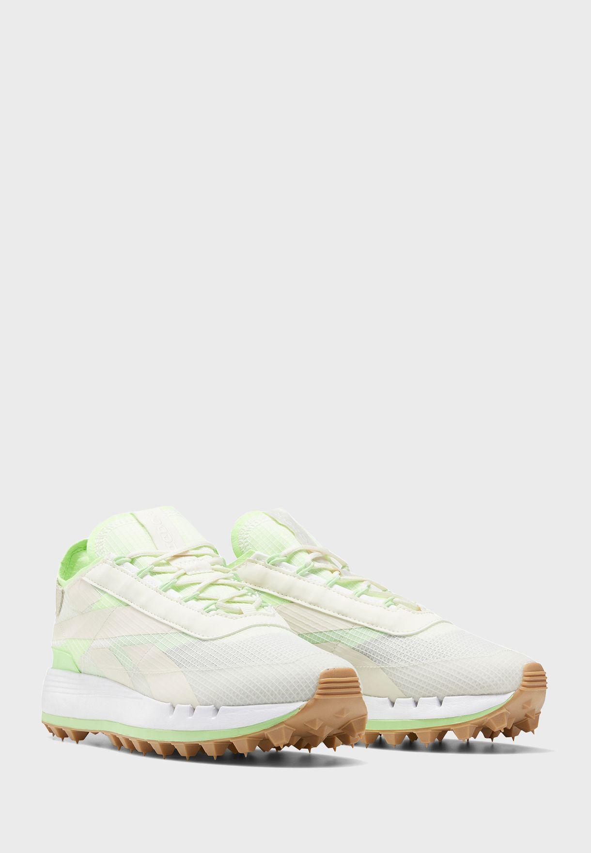 حذاء ليجاسي من مجموعة ريبوك اتس أ مانز