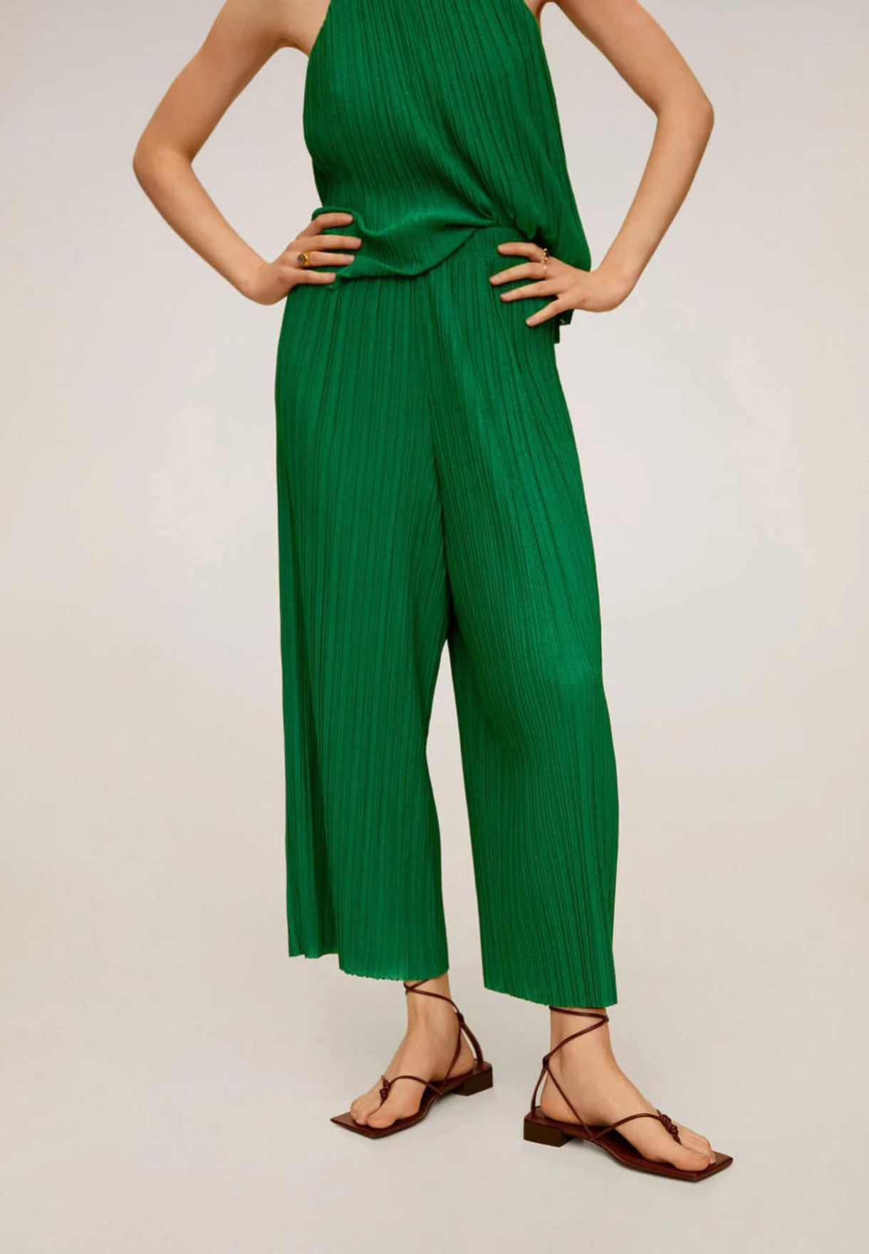 Plisse Detail Wide Leg Pants