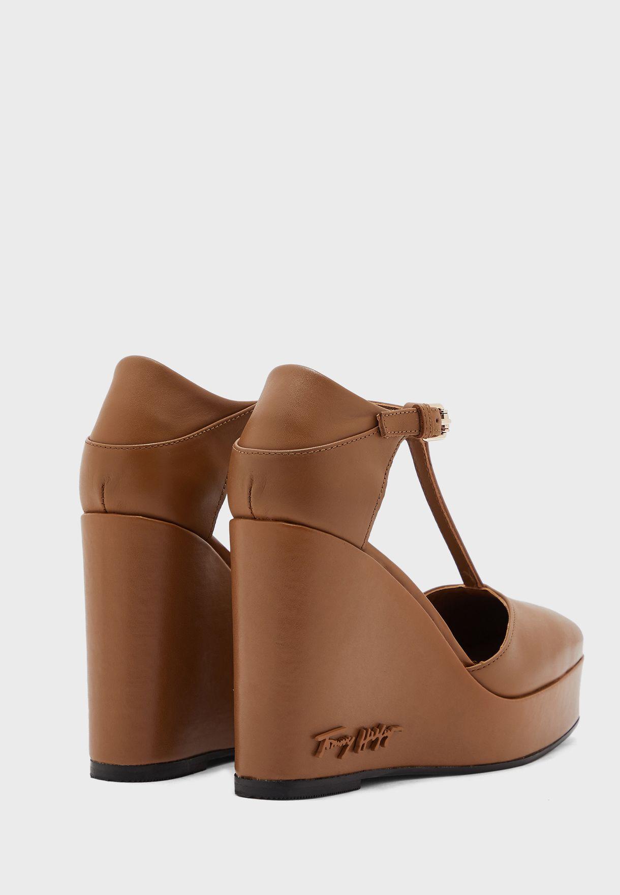 Feminine High Heel Wedge Pump