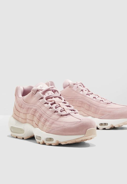 separation shoes 6591e a3be0 Nike Luxury Sneakers for Women and Men   Online Shopping at Namshi UAE